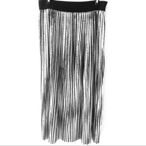 Max Studio pleated black and white skirt Large